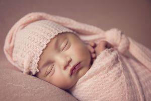 Фотосесия на новородено бебе, бебешка фотосесия