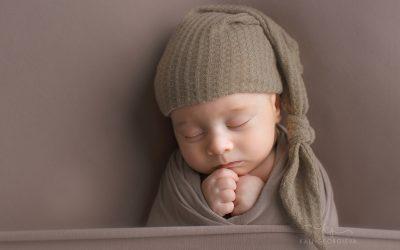 Фотосесия бебе на един месец